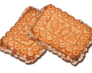 Печенье «Буренка» с начинкой из вареного сгущеного молока и орехами